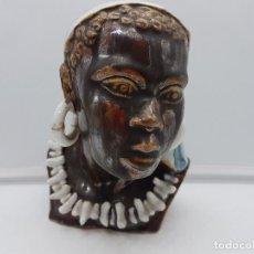 Antigüedades: PRECIOSO BUSTO MUY REALISTA DE MUJER AFRICANA DE PORCELANA PINTADA A MANO.. Lote 118726603