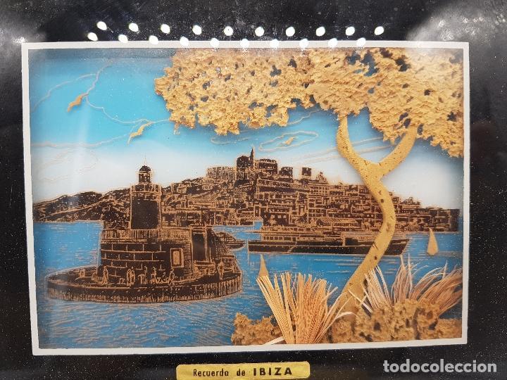 Antigüedades: Bonito cuadro antiguo ibizenco con paisajes de la isla y faondo en corcho tallado. - Foto 2 - 118728287