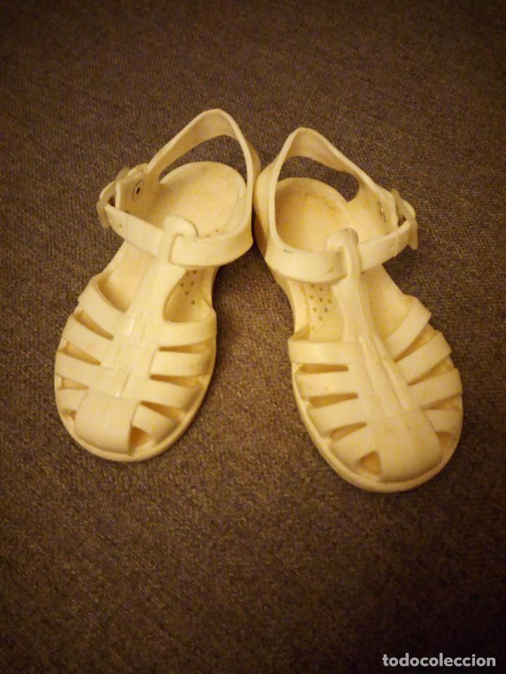Antigüedades: antiguas sandalias de goma nº 25 primera mitad del siglo xx - Foto 2 - 118768287
