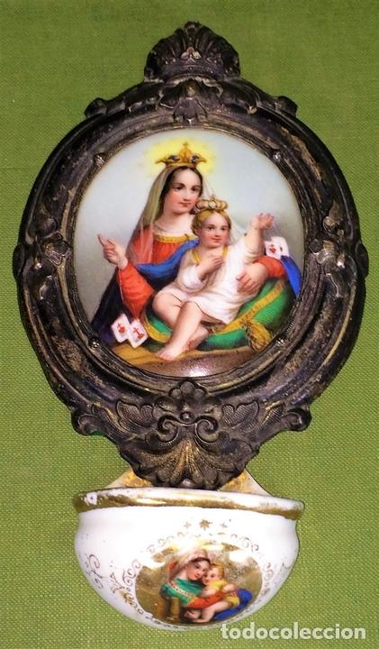 Antigüedades: BENDITERA. VIRGEN DEL CARMEN. PORCELANA ESMALTADA. METAL CHAPADO PLATA. ESPAÑA. XIX - Foto 2 - 118790703