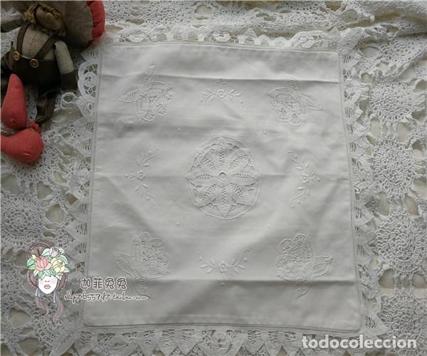 Antigüedades: Preciosa funda cojin. años 80 Encajes brujas y bordado a mano.40x40 blanco. nuevo - Foto 6 - 284408638