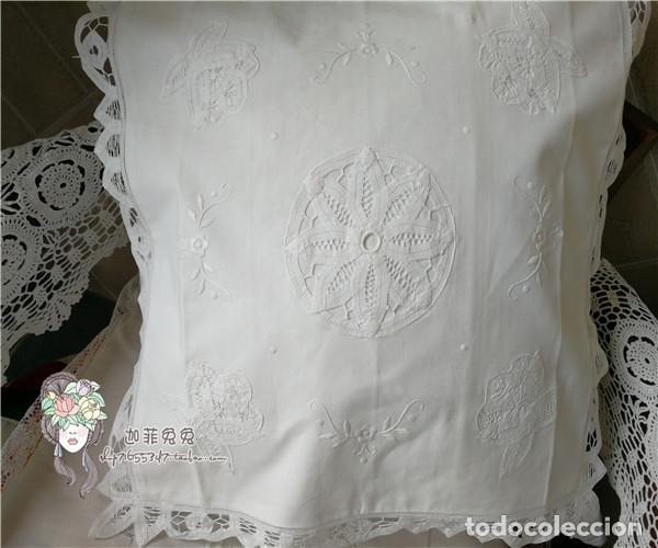 Antigüedades: Preciosa funda cojin. años 80 Encajes brujas y bordado a mano.40x40 blanco. nuevo - Foto 8 - 284408638