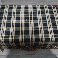 Antigüedades: MALETA VINTAGE. Lote 118833783