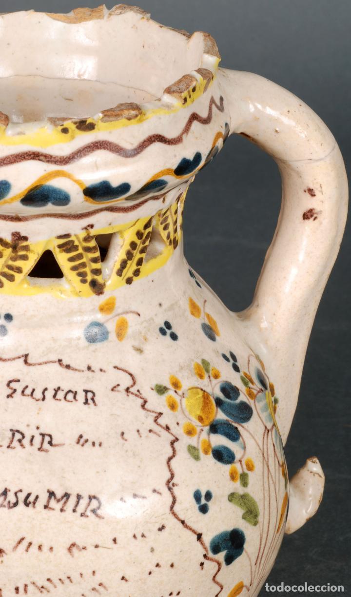 Antigüedades: Jarra burladera inscrita de cerámica esmaltada de Talavera finales del siglo XVIII - Foto 5 - 118910719