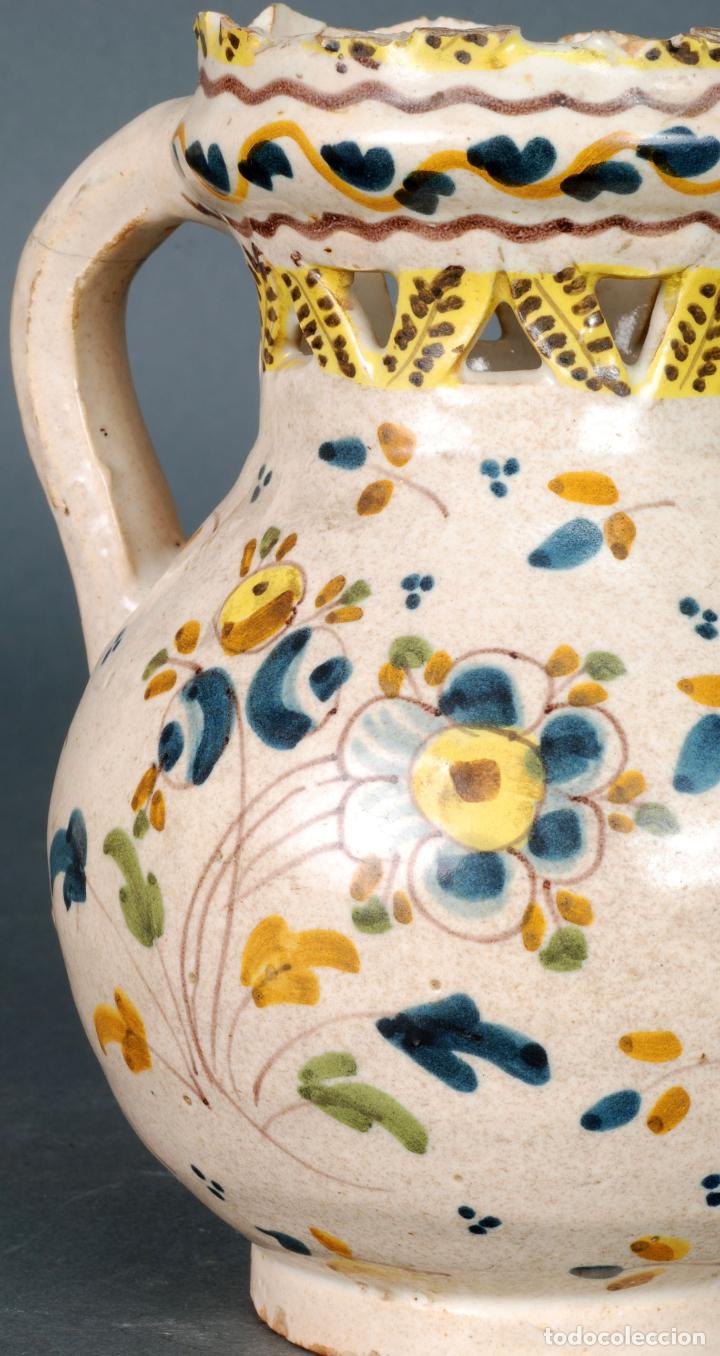 Antigüedades: Jarra burladera inscrita de cerámica esmaltada de Talavera finales del siglo XVIII - Foto 6 - 118910719