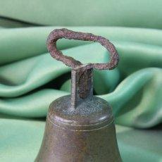 Antigüedades: CAMPANA DOMÉSTICA. BRONCE Y HIERRO. S.XIX. Lote 118917811