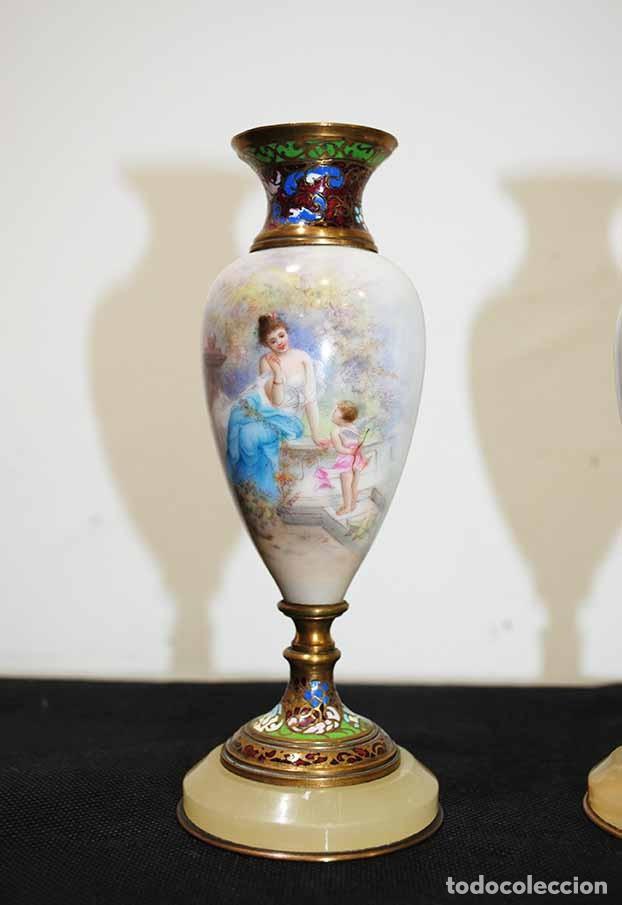Antigüedades: PAREJA DE COPAS ANTIGUAS DE CLOISIONNE Y PORCELANA - Foto 2 - 118920331