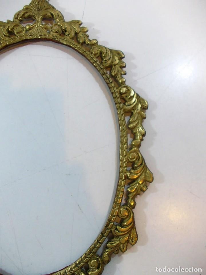 Antigüedades: Antiguo marco ovalado estilo camafeo en bronce - Foto 2 - 118930799