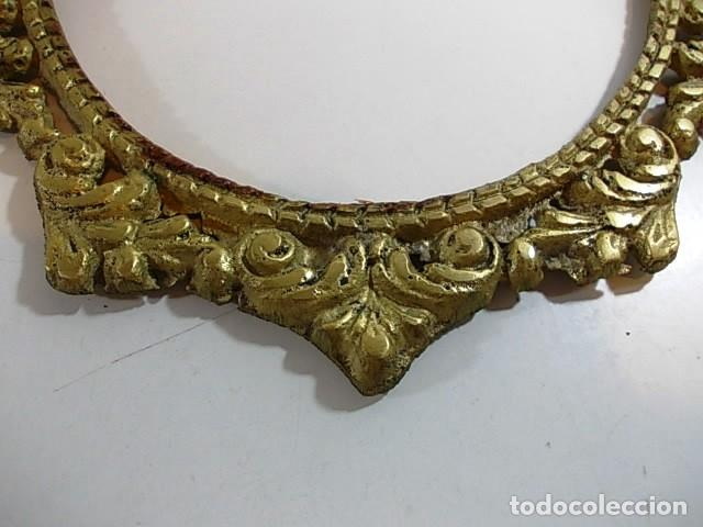 Antigüedades: Antiguo marco ovalado estilo camafeo en bronce - Foto 4 - 118930799