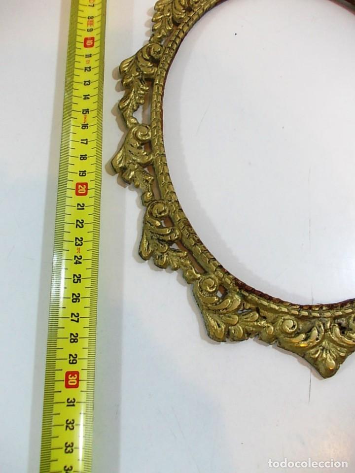 Antigüedades: Antiguo marco ovalado estilo camafeo en bronce - Foto 6 - 118930799