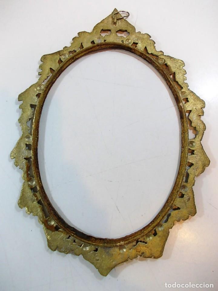 Antigüedades: Antiguo marco ovalado estilo camafeo en bronce - Foto 7 - 118930799