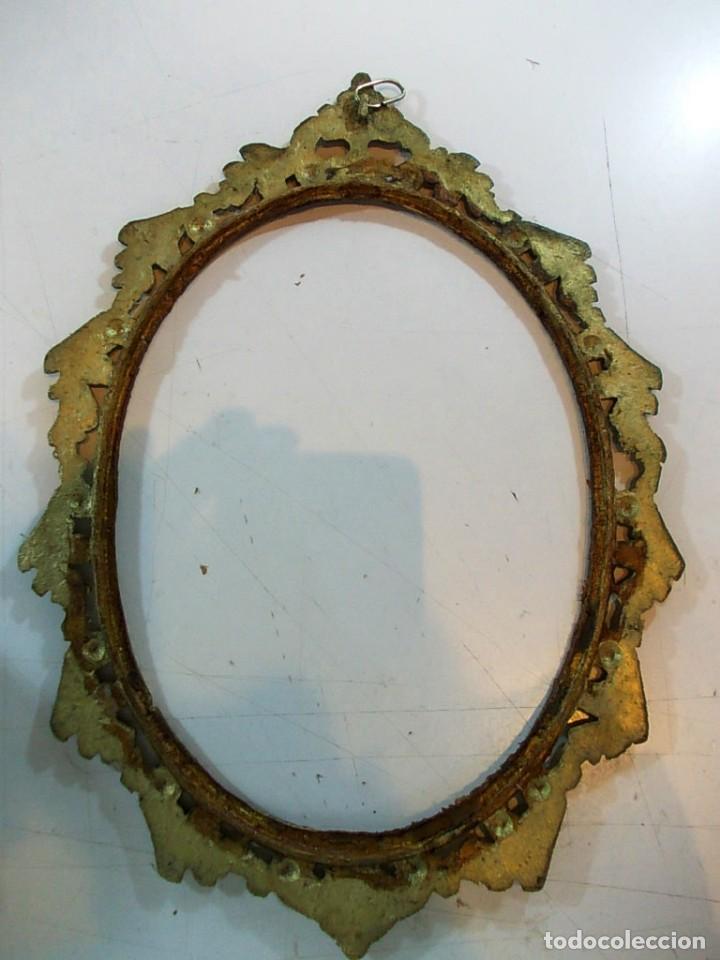 Antigüedades: Antiguo marco ovalado tipo camafeo en bronce - Foto 5 - 118930911