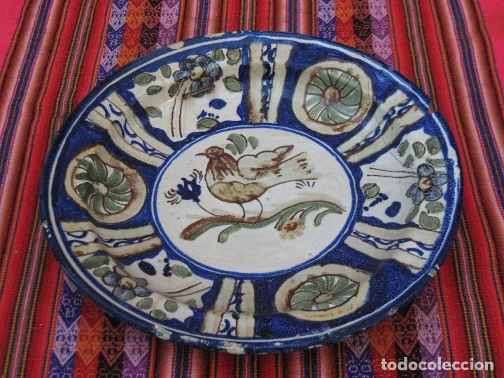 Antigüedades: PLATO ANTIGUO EN CERAMICA PINTADA Y VIDRIADA DE MANISES / VALENCIA. - Foto 2 - 118937487