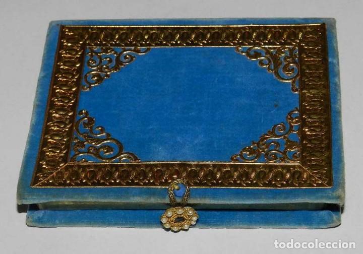Antigüedades: Antiguo Relicario en forma de libro con reliquias de Ntra. Sra. S. Felipa, S. Jacobo, Sto. Pesebre, - Foto 7 - 118977251