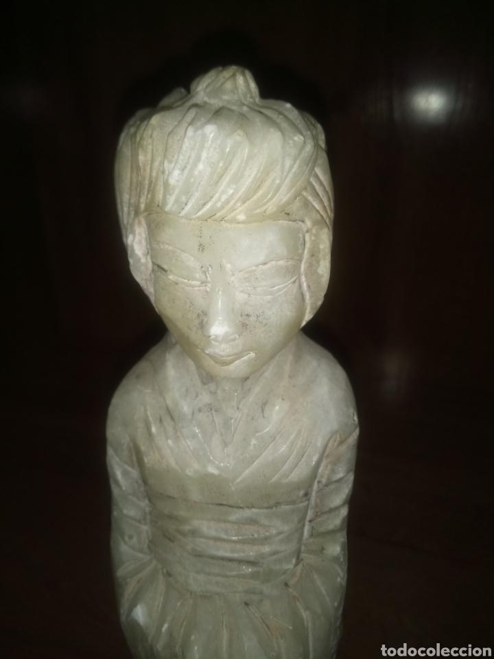Antigüedades: Figura mujer china o japonesa de mármol tallada a mano - Foto 2 - 119010080