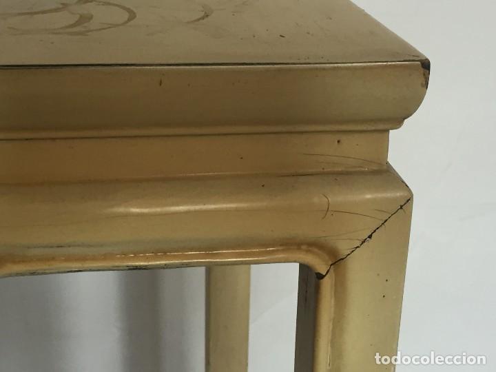 Antigüedades: velador estilo asiatico chino lacado en beige s XX elegante soporte peana figura busto jarron 82x38x - Foto 6 - 119028383