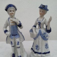 Antigüedades: PAREJA DE FIGURAS DE PORCELANA.. Lote 119040259