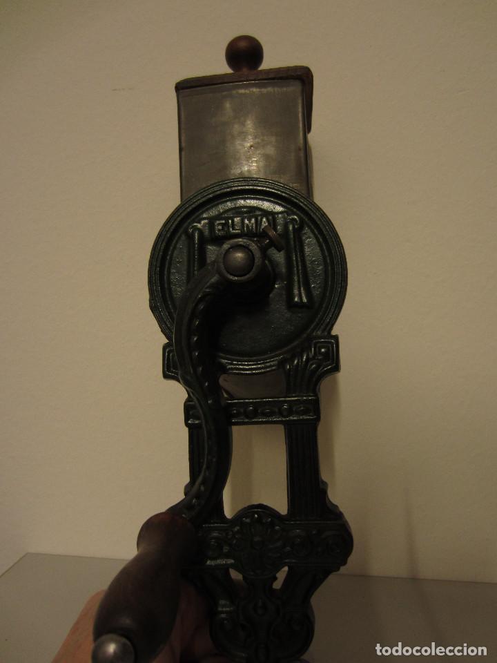 Antigüedades: RALLADOR DE PAN MARCA ELMA, AÑOS 40 - Foto 3 - 119046995