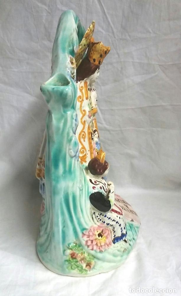 Antigüedades: Botijo Virgen de los Desamparados patrona de Valencia, Porcelana Manises años 30. Med. 28 cm altura - Foto 2 - 67727285