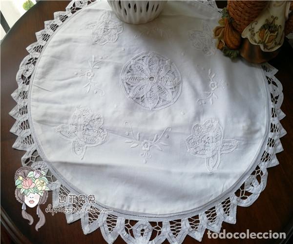 Antigüedades: Funda cojin, a mano de encajes de Brujas.40cm redondo. Blanco. Nuevo - Foto 3 - 119103851