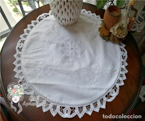 Antigüedades: Funda cojin, a mano de encajes de Brujas.40cm redondo. Blanco. Nuevo - Foto 6 - 119103851