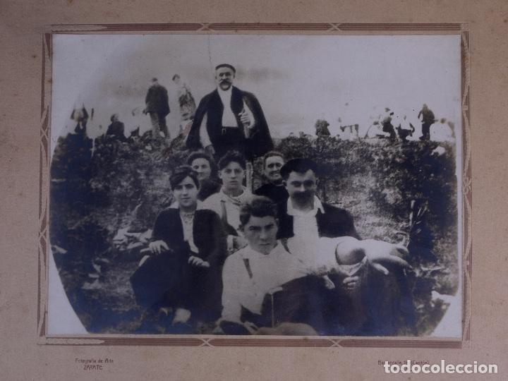 Antigüedades: RETRATO GRUPO DE JOVENES DE ROMERIA CAMPESTRE, FOTO Y MARCO DE EPOCA - Foto 2 - 119104163