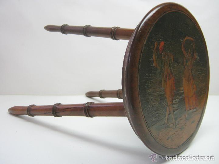 Antigüedades: siglo XIX - pequeña mesa auxiliar - caoba maciza taracea marqueteria en maderas nobles - baile danza - Foto 3 - 119125983