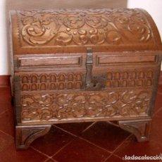 Antigüedades: ANTIGUO COFRE BAÚL INDOPORTUGUES RICA TALLA DE MADERA. Lote 119132367