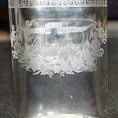 Antigüedades: VASO TIPO PETACA DE RECUERDO DE LA GRANJA. 9,50 DE ALTO, 6,50 DE ANCHO. PIEZA MUY BUENA. SEGOVIA.. Lote 119210663