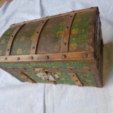 Antigüedades: ANTIGUO PEQUEÑO BAUL. Lote 119259304