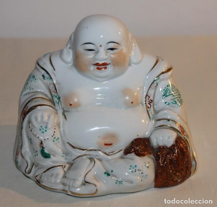 FIGURA DE BUDA EN PORCELANA CHINA ESMALTADA - SEGUNDA MITAD SIGLO XX (Antigüedades - Porcelanas y Cerámicas - China)
