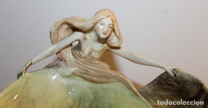 Antigüedades: CENTRO DE MESA ART NOUVEAU MODERNISTA EN MAYÓLICA ESMALTADA - H. 1900 - Foto 2 - 119292755