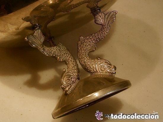 Antigüedades: FRUTERO DE METAL PLATEADO SUS PATAS CON FORMA DE PEZ ANTIGUO - Foto 6 - 119300547