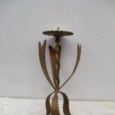 Antigüedades: BONITO CANDELABRO EN FORJA. Lote 119327835