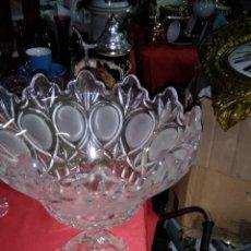 Antigüedades: PRECIOSO FRUTERO CRISTAL FRANCÉS AÑOS 50. Lote 119340519