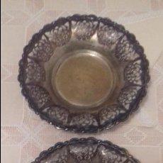 Antigüedades: JUEGO DE 2 BANDEJAS. Lote 119380483