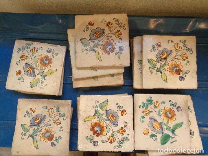 VEINTIUN AZULEJOS .VALENCIA.SIGLO XVIII.B1-005 (Antigüedades - Porcelanas y Cerámicas - Azulejos)