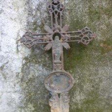 Antigüedades: ANTIGUA CRUZ DE CEMENTERIO EN HIERRO FUNDIDO. MAS DE UN METRO DE ALTURA. TUMBA - CEMENTERIO. Lote 119418527