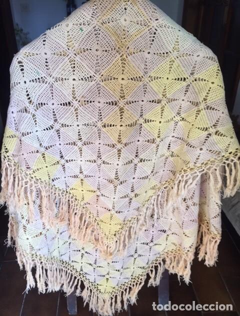 Antigüedades: Antiguo manton o mantel es de principios siglo XX, artesania ideal decoración - Foto 2 - 119451927