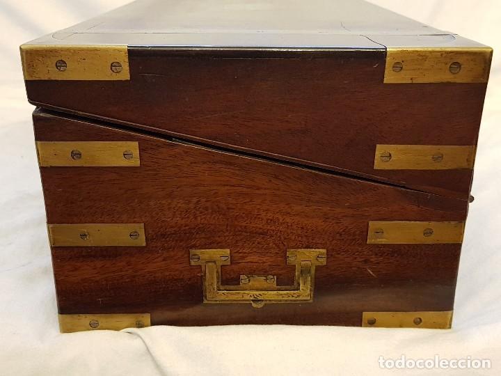 Antigüedades: Escritorio de campaña de caoba. Auténtico. Principios del siglo XIX - Foto 3 - 119488995