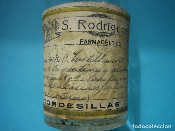 Antigüedades: FARMACIA - ANTIGUO FRASCO FARMACIA S. RODRIGUEZ TORDESILLAS VALLADOLID - ESENCIA TREMENTINA - 19 CM - Foto 3 - 119568419