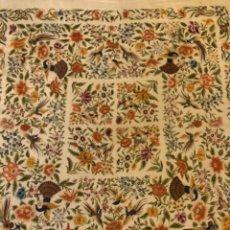 Antigüedades: ANTIGUO MANTON DE MANILA BORDADO A MANO.. Lote 119577375