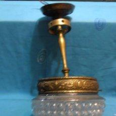 Antigüedades: LAMPARA DE TECHO DE UNASOLA LUZ, ANTIGUA. Lote 119581287