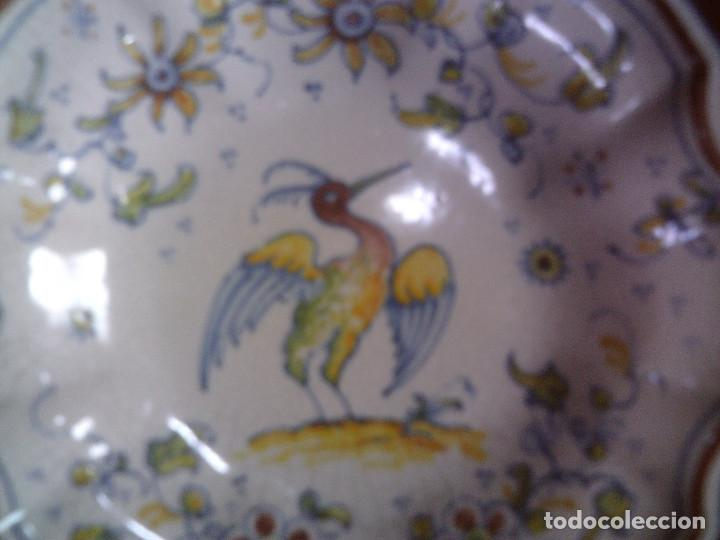 Antigüedades: PLATO CERAMICA DE ALCORA BORDES LOBULADOS, MIDE 20CM. DE DIAMETRO - Foto 2 - 119584827