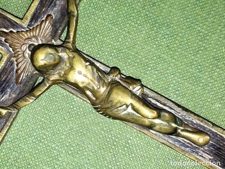 Antigüedades: CRUZ PECTORAL. BRONCE Y MADERA. ESPAÑA. FIN SIGLO XIX - Foto 3 - 119634339
