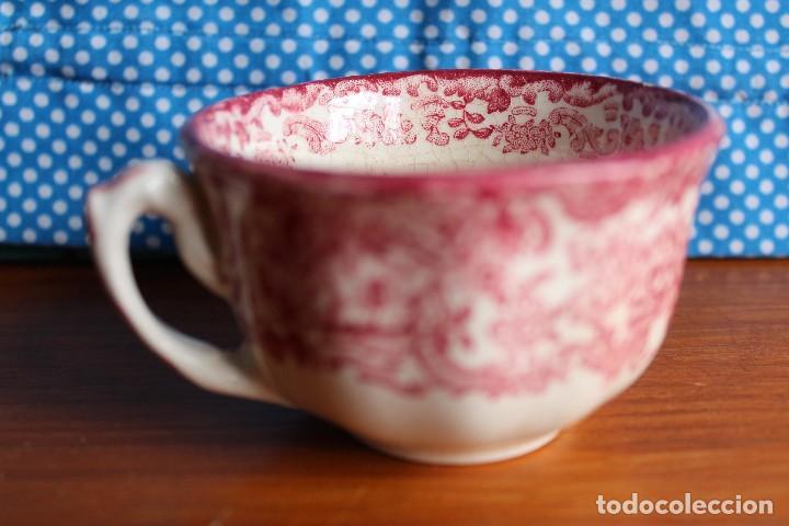 TAZA DE CAFE ANTIGUA PICKMAN DECORADA EN ROSA PORCELANA SEVILLA (Antigüedades - Porcelanas y Cerámicas - La Cartuja Pickman)