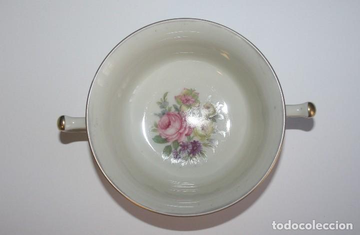 Antigüedades: Antigua taza de consomé de porcelana Royal Ivory KPM Germany con sello - Foto 5 - 135036398