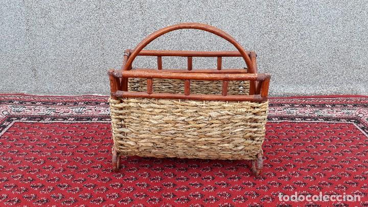 Antigüedades: Revistero antiguo de mimbre estilo thonet, revistero antiguo de madera retro vintage - Foto 2 - 119779087