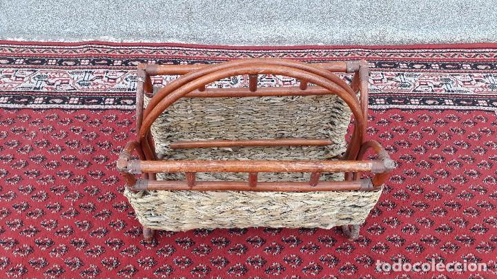 Antigüedades: Revistero antiguo de mimbre estilo thonet, revistero antiguo de madera retro vintage - Foto 3 - 119779087