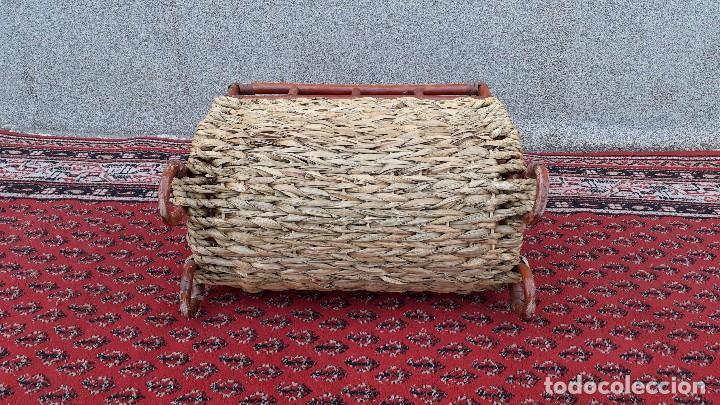 Antigüedades: Revistero antiguo de mimbre estilo thonet, revistero antiguo de madera retro vintage - Foto 7 - 119779087